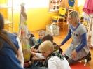 Teta Kate i djeca iz vrtića