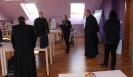 Biskup Tomislav Rogić posjetio knjižnicu